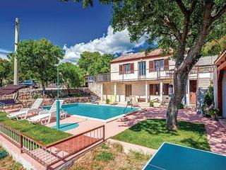 Nice home in Jablanac w/ 2 Bedrooms