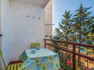 Nice home in Senj w/ WiFi and 2 Bedrooms