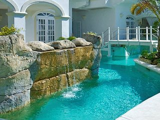 Old Trees 3 - Condo Halcyon | Beach Front - Located in Exquisite Saint James w