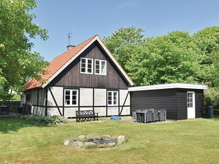 Amazing home in Ulfborg w/ 3 Bedrooms