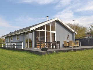 Nice home in Farsø w/ Sauna and 3 Bedrooms