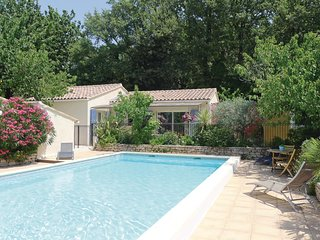 Nice home in Eyragues w/ WiFi and 2 Bedrooms