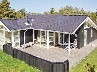 Beautiful home in Fjerritslev w/ Sauna, WiFi and 4 Bedrooms