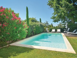 Nice home in St-Rémy-de-Provence w/ WiFi and 3 Bedrooms