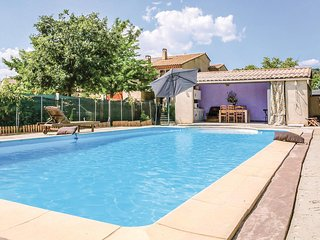 Beautiful home in Greoux les Bains w/ WiFi and 1 Bedrooms