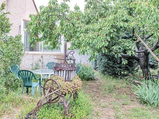 Beautiful home in Gréoux les Bains w/ WiFi and 1 Bedrooms