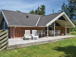 Awesome home in Henne w/ Sauna, WiFi and 3 Bedrooms (P42153)
