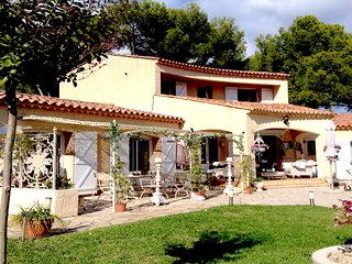 Antibes Juan les Pins Elegant Vacation Villa with Pool