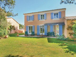 Awesome home in Pont Royal w/ WiFi and 3 Bedrooms