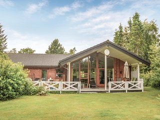 Stunning home in Oksbøl w/ WiFi and 3 Bedrooms (P42198)