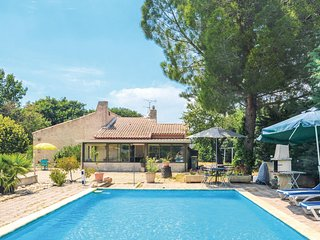 Awesome home in Aix en Provence w/ 3 Bedrooms