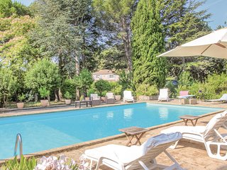 Awesome home in Lancon de Provence w/ WiFi and 2 Bedrooms