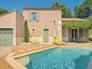 Stunning home in Saint-Rémy-de-Provence w/ WiFi and 3 Bedrooms