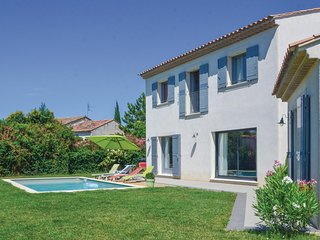 Nice home in Mollegès w/ WiFi and 3 Bedrooms