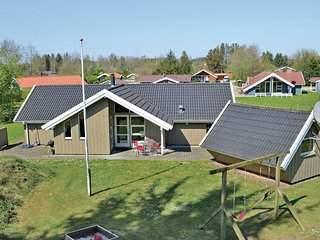 Nice home in Oksbøl w/ Sauna, WiFi and 4 Bedrooms (P42156)