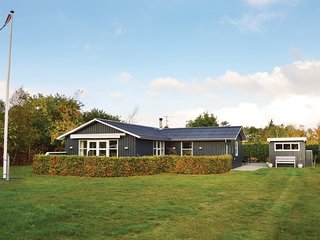 Awesome home in Ulfborg w/ 3 Bedrooms (C71172)