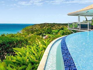 Happy Bay Villa | Beach View - Located in Tropical Happy Bay with Private Pool