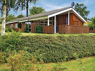 Awesome home in Ebeltoft w/ Sauna, WiFi and 3 Bedrooms (D02785)