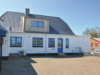 Amazing home in Ulfborg w/ Sauna and 5 Bedrooms (C71290)