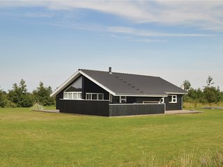 Awesome home in Brovst w/ Sauna and 3 Bedrooms