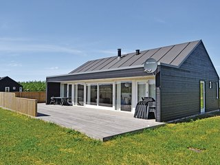 Awesome home in Brovst w/ Sauna, WiFi and 3 Bedrooms