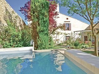 Amazing home in Grignan w/ WiFi and 3 Bedrooms