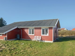 Awesome home in Frostrup w/ 2 Bedrooms