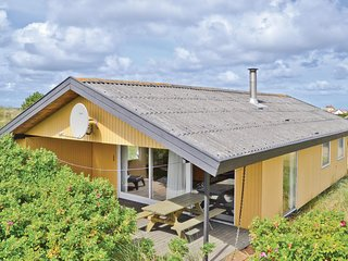 Amazing home in Frostrup w/ 3 Bedrooms