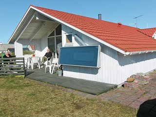 Beautiful home in Frostrup w/ 2 Bedrooms