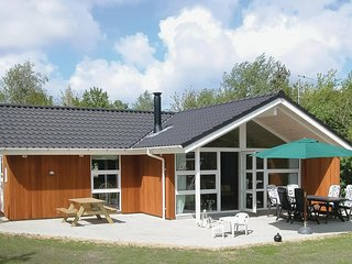 Stunning home in Oksbol w/ Sauna, WiFi and 3 Bedrooms