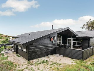 Beautiful home in Henne w/ Sauna, WiFi and 4 Bedrooms