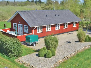 Stunning home in Oksbol w/ Sauna, WiFi and 4 Bedrooms