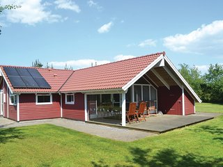 Awesome home in Oksbol w/ Sauna and 3 Bedrooms