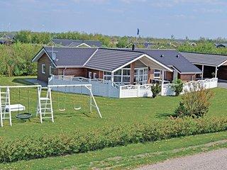 Amazing home in Hemmet w/ Sauna, WiFi and 4 Bedrooms (P52006)