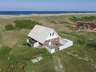 Awesome home in Harboøre w/ 4 Bedrooms
