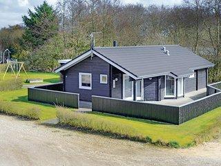 Nice home in Hemmet w/ WiFi and 3 Bedrooms (P52034)