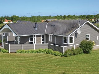 Awesome home in Hemmet w/ Sauna, WiFi and 3 Bedrooms (P52037)
