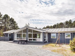 Awesome home in Ebeltoft w/ Sauna, WiFi and 7 Bedrooms
