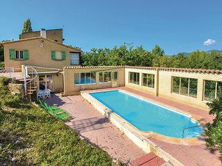 Stunning home in Mollans Sur Ouveze w/ WiFi and 3 Bedrooms