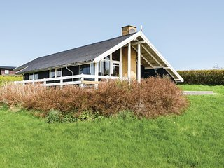 Awesome home in Ebeltoft w/ Sauna, WiFi and 2 Bedrooms