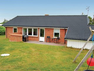 Awesome home in Harboore w/ Sauna, WiFi and 4 Bedrooms