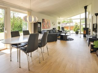 Awesome home in Ebeltoft w/ WiFi and 3 Bedrooms (D09297)
