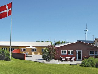 Awesome home in Ebeltoft w/ WiFi and 6 Bedrooms (D07897)