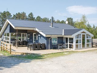 Beautiful home in Ebeltoft w/ Sauna, WiFi and 4 Bedrooms
