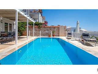 Kalkan Villa Sleeps 6 with Pool - 5774356