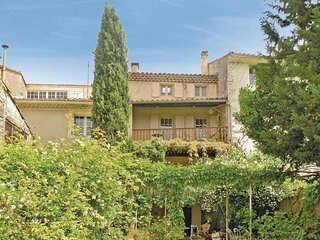 Stunning home in St Didier w/ WiFi and 4 Bedrooms (FPV085)