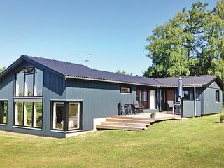 Amazing home in Ebeltoft w/ WiFi and 4 Bedrooms (D10810)