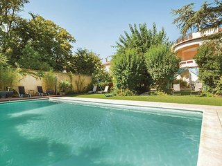 Beautiful home in Avignon w/ WiFi and 3 Bedrooms