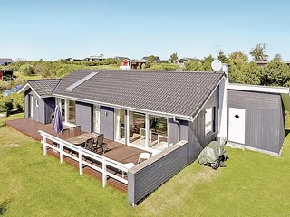 Awesome home in Ebeltoft w/ WiFi and 4 Bedrooms (D10409)