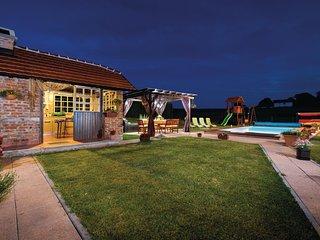 Amazing home in Topusko w/ WiFi, 3 Bedrooms and Sauna